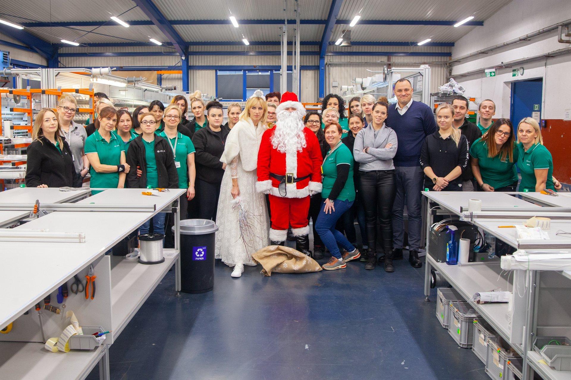 Mikołaj wraz ze Śnieżynką u Pracowników